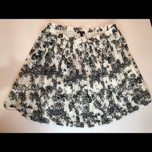 Pretty white A-line casual skirt.